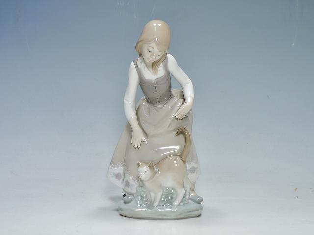 リヤドロ LLADRO 1187 猫と少女 ネコ ねこ 女の子 陶器人形 フィギュリン【中古】
