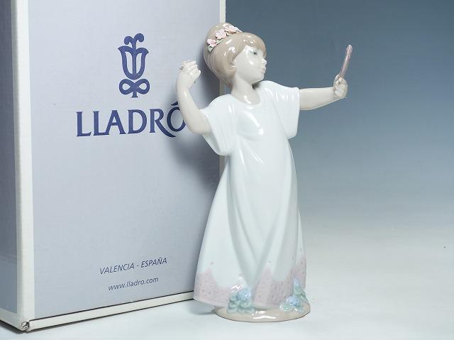 リヤドロ LLADRO 女の子 鏡にポーズ DELIGHTFUL #6806 少女【中古】