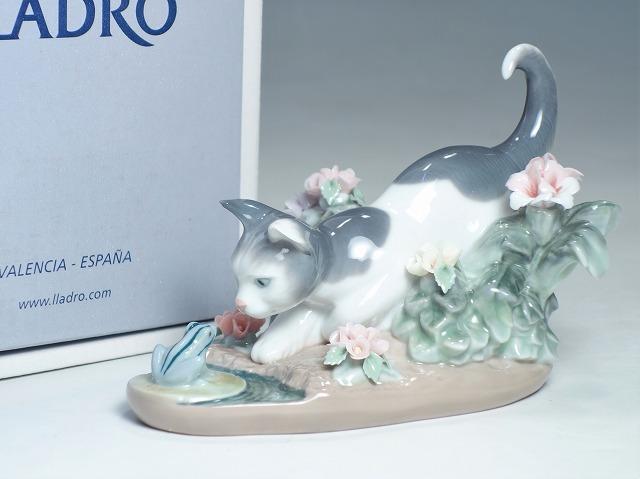 リヤドロ LLADRO 猫 にらみ合い ねこ カエル#1442【中古】