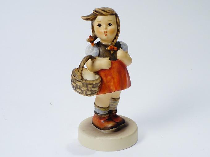 Goebel ゲーベル社 Hummel フンメル人形 籠を持つ少女 フィギュリン 【中古】