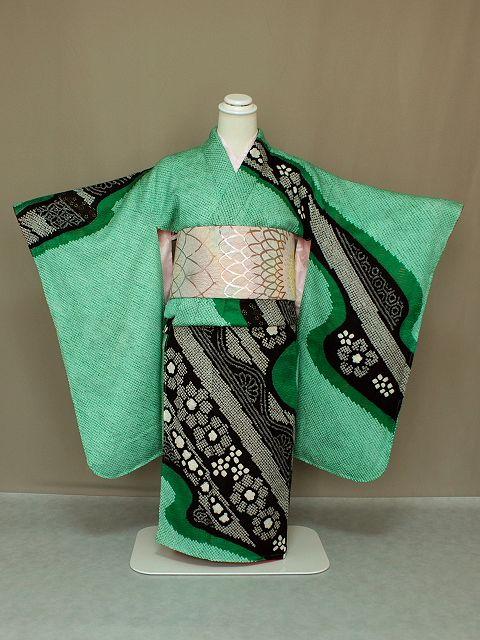 最高級品 手縫仕立の総絞りの四ッ身着物 価値ある総絞りの七五三着物 長襦袢付きです W2373