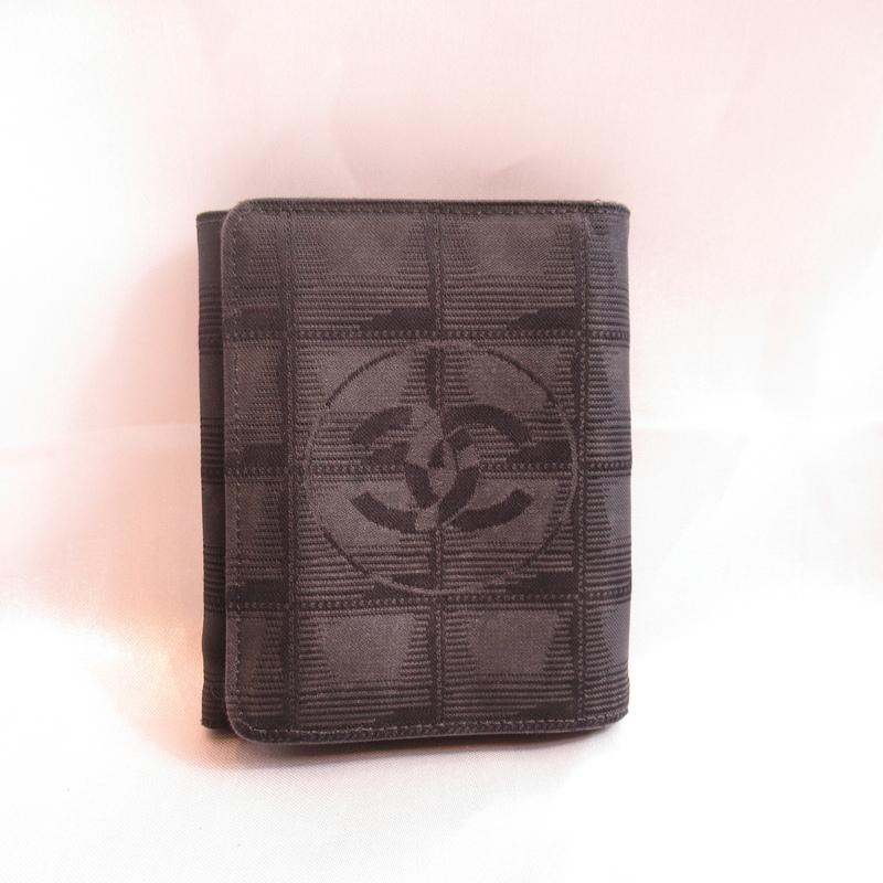 CHANEL シャネル ニュートラベルライン 三つ折り財布 ブラック【中古】