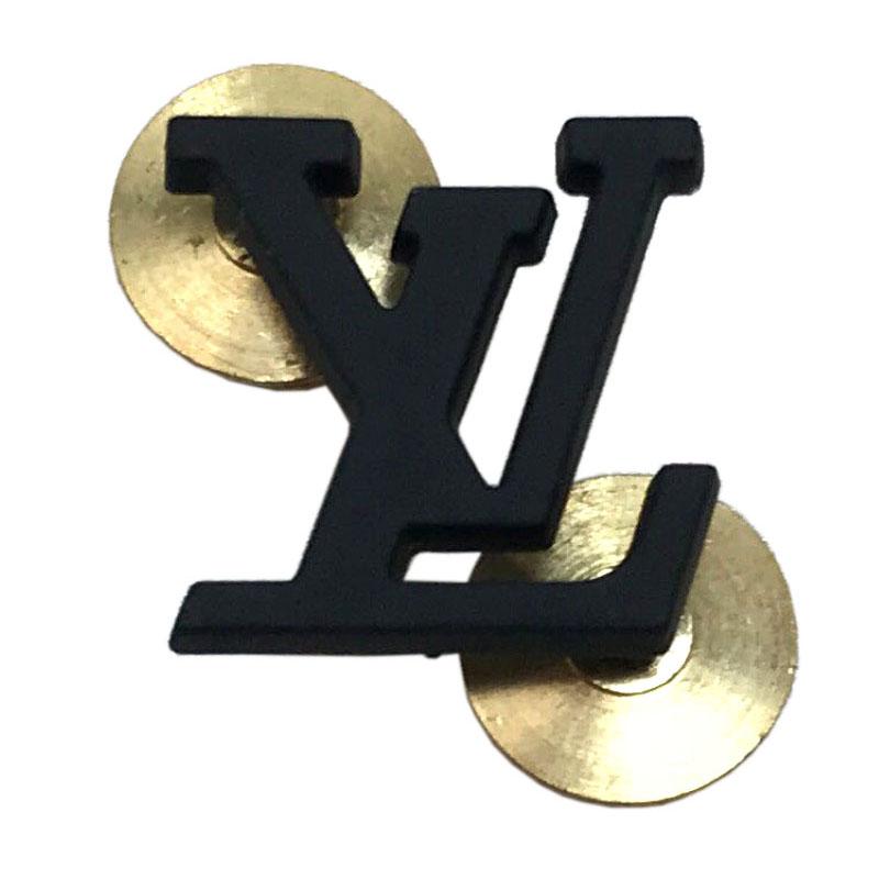 ルイ ヴィトン LOUIS VUITTON レア 非売品 スタッフ用 ユニフォーム アクセサリー ピンバッチ 注目ブランド ブラック 新型 未使用 保存袋 ピンバッジ Seasonal Wrap入荷