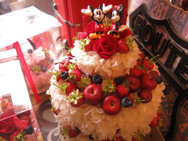 楽屋花 ディズニー フラワーギフト  ケーキ ミッキー&ミニー フルーツいっぱいのケーキのプリザーブドフラワー ホワイト ケース付き ノーマル ミッキー ミニー◆誕生日プレゼント・記念日の贈り物におすすめのフラワーギフト