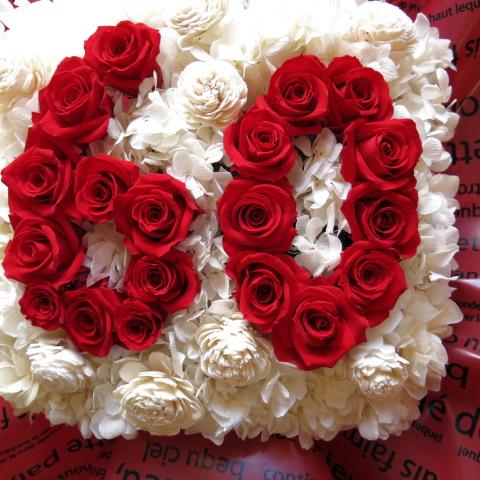 還暦祝い 赤バラ フラワーギフト 花 数字 60入りプリザーブドフラワー クリアーケース付き あなたのご希望の数字(2ケタ)お作り致します ◆誕生日プレゼント・記念日の贈り物におすすめのフラワーギフト