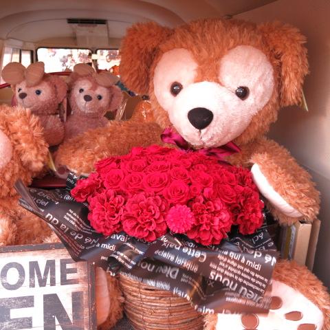 プロポーズ ダッフィー 花 特大 ぬいぐるみ 100cm 大きなダッフィーがお花を抱えた サプライズ たっぷり プリザーブドフラワー入りギフト