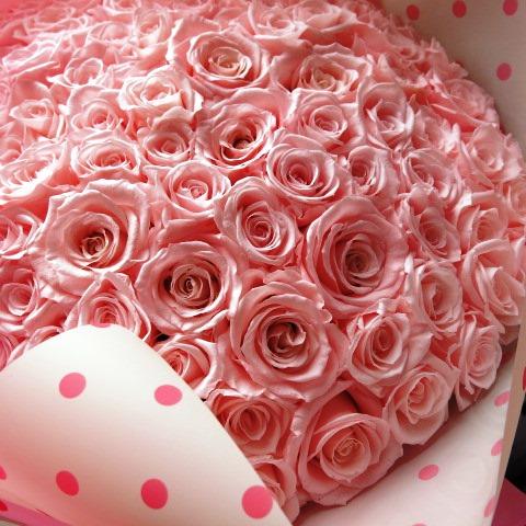 ピンクバラ 90本 プリザーブドフラワー ピンクバラ 花束 ピンクバラ90本使用 プリザーブドフラワー 花束 枯れずにいつまでもキレイなピンクバラ ◆誕生日プレゼント・成人祝い・記念日の贈り物におすすめのフラワーギフト