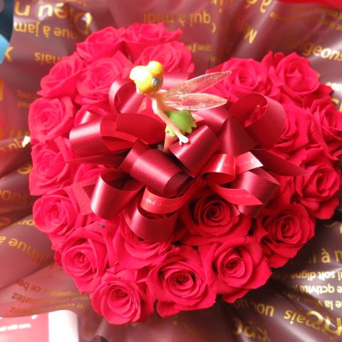 ティンカーベル入り 花 ハート フラワーギフト ハート プリザーブドフラワー 赤バラ