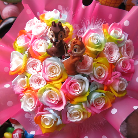 チップ デール入り 花 ハート レインボーローズ プリザーブドフラワー ケース付き 誕生日プレゼント 記念日の贈り物におすすめのフラワーギフト