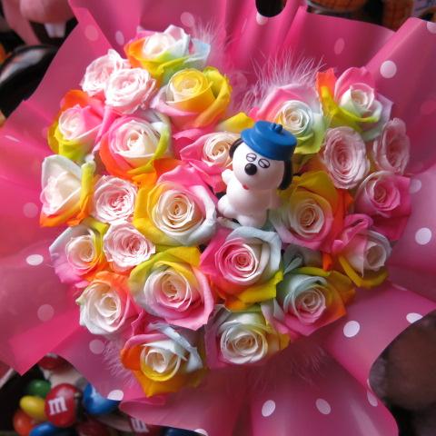 スヌーピー オラフ入り 花 レインボーローズ プリザーブドフラワー入り ハート フラワーギフト オラフ入りケース付き 20×30 誕生日プレゼント・記念日の贈り物におすすめのフラワーギフト