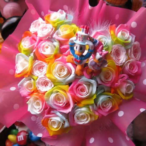 誕生日プレゼント ドナルド デージー 入り 花 ハート フラワーギフト レインボーローズ プリザーブドフラワー ケース付き バースデーB 誕生日プレゼント 記念日の贈り物におすすめのフラワーギフト