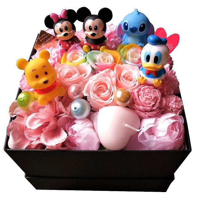 クリスマスプレゼント ディズニー 花束風 箱を開けてサプライズ ミッキー ミニー ドナルド スティッチ プーさん入り ボックス レインボーローズ プリザーブドフラワー入りギフト