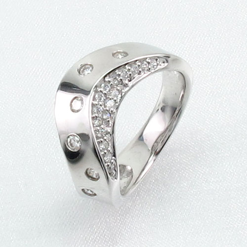 ダイヤモンド パヴェ リング 指輪 レディース 地金 彫り留め カーブ ウェーブ k18 18k 18金 ゴールド 0.5カラット