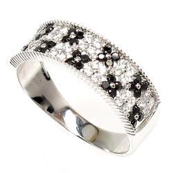 プラチナ900 【送料無料】花 ブラックダイヤリング0.65ct天然ダイヤモンド 誕生日 指輪 ギフト