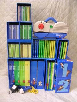dfg2150 新着 【中古】 お勧め!お買い得です DWEディズニー英語システムワールドファミリー DVD版旧ミッキーパッケージ  トークアロングは両面タイプ 幼児英語教材