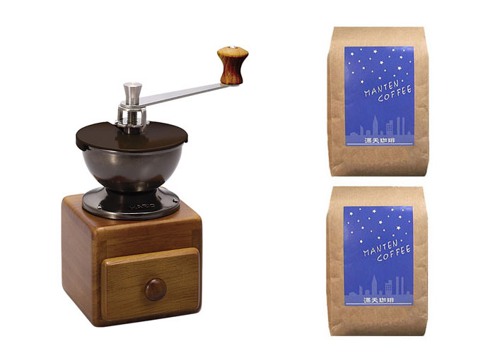 Coffee beans with a hario small coffee grinder MM-2