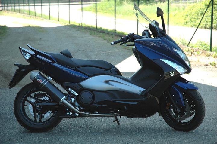 【バイク マフラー】QDエキゾースト ステンレス 2イン1システムカーボン オーバルサイレンサーx500 08-12