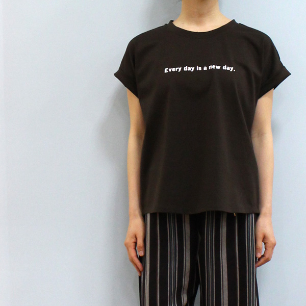 30 OFF Dignite collier ディニテ コリエ 808132フレンチ プリント TシャツEvery day is a new dayvf6Yb7gy