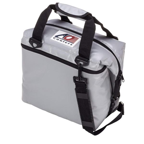 AO Coolers / Water-Resistant Vinyl Soft Cooler (シルバー / 36パック) ビニール ソフトクーラー - クーラーボックス - 【直輸入品】