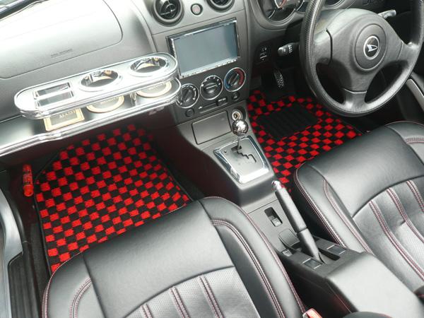 激安通販販売 安心品質のディーラー純正工場生産 税込 MASH チェッカーフロアマットトヨタ RAV4