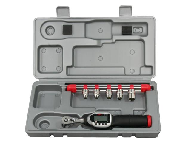 KTC(京都機械工具) 汎用ツール 9.5sq. ソケットレンチセット デジラチェモデル <TB306WG3> 【21 ktc インチ 12.7 寸法 サイズ jis 差し込み角 比較 使い方 工具 通販 おすすめ 人気 アダプター 3517】