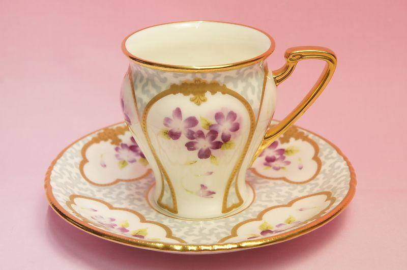 ノリタケ オマージュコレクション 色絵金彩菫文 碗皿