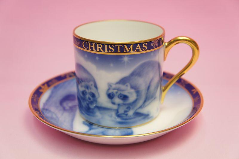 大倉陶園1994年クリスマス碗皿「アライグマ」