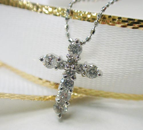 トラスト 2020新作 Pt900 クロス 0.5ctダイヤモンドの十字架プラチナネックレス smtb-TD saitama