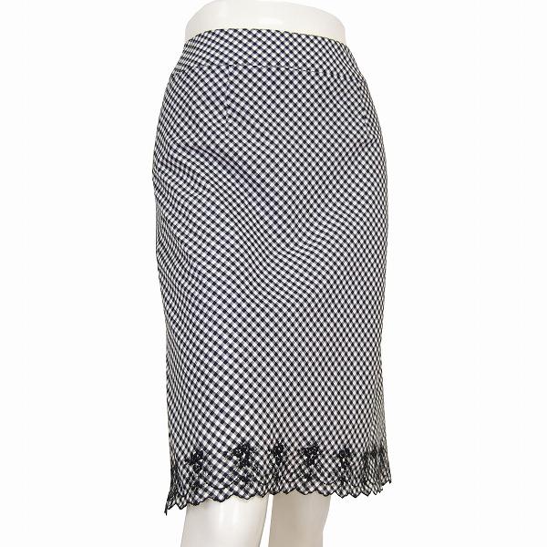 【中古】アリスバーリー Aylesbury お洒落フレアスカート 小さいサイズ 表記7号(36号/S相当) 黒 白 チェック柄 美花刺繍 お出掛け 春夏 ボトムス レディース
