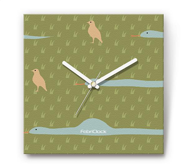 「ヘビと鳥」をデザインのファブリック《布地》掛時計 四角 受注生産品 【コンビニ受取対応商品】