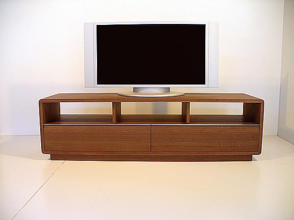 ウォルナットのテレビ台[ROUND] シンプル ミッドセンチュリー ウォールナット 薄型テレビ台 ローボード (tv14) テレビラック TVボード 天然木製 北欧テイスト AVボード オーダー家具対応 ウォルナット