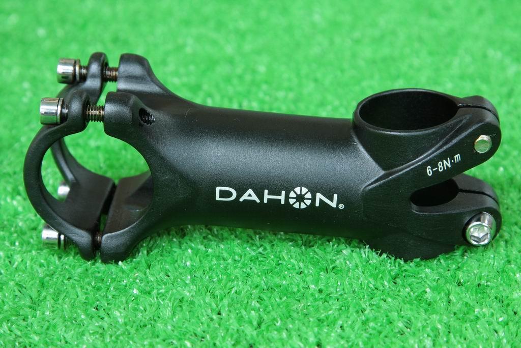 即納 総額1万円以上で 送料無料 日本最安値挑戦中 自転車部品 送料無料でお届けします 自転車パーツ の専門店 ダホン 純正 DAHON アルミ6061 150g ブラック アルミ合金 ALL6061 3D鍛造 +-7度 90mm SALE開催中 自転車 軽量 ステム 31.8