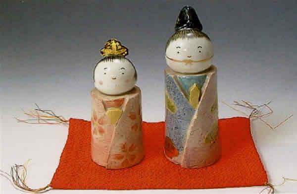 雛人形 清水焼 京焼 わらべ雛人形 (敷物付き) 桃の節句を祝う京のお雛様! 誕生日 お祝い プレゼント ギフト 内祝い お返し
