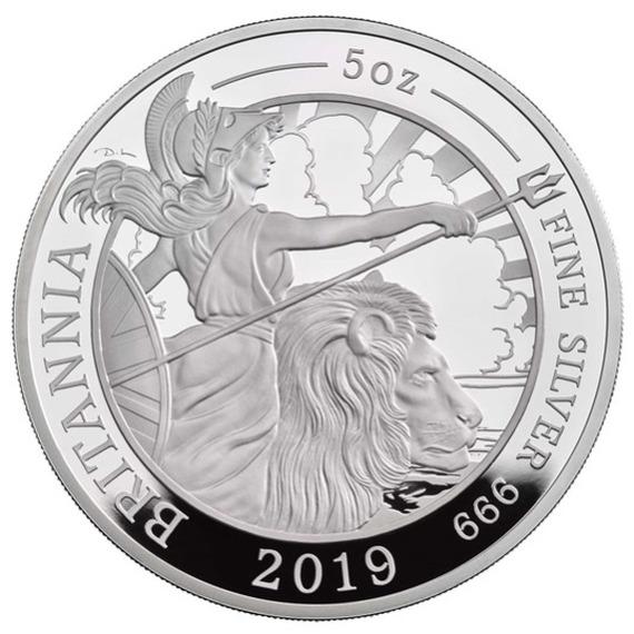 2019 イギリス ブリタニア 銀貨 5オンス プルーフ 箱とクリアケース付き 新品未使用
