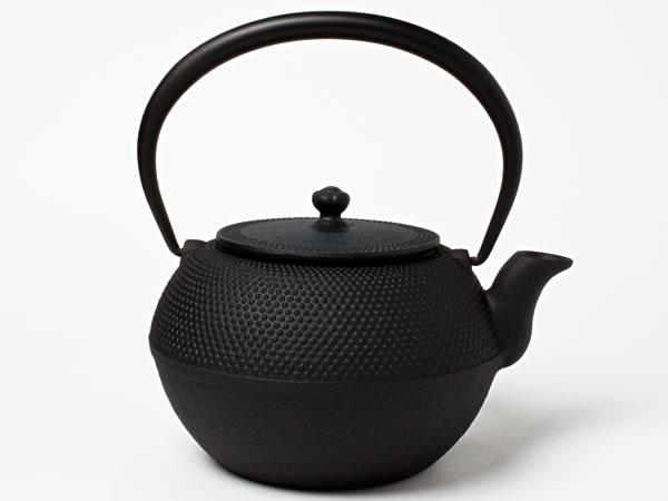 【送料無料】南部鉄瓶 まろみ霰 TETUB-77 お茶のふじい・藤井茶舗