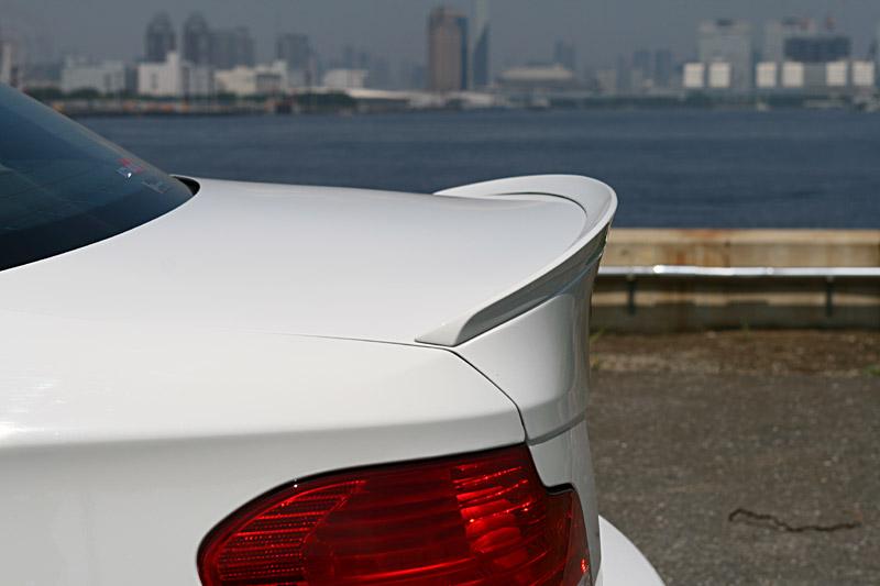 BMW パーツ 新商品!新型 3D おしゃれ Design 1シリーズ トランクスポイラー E82 3Dデザイン