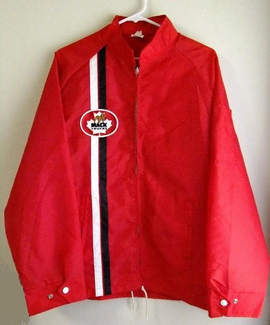 カナダ製Avon sportswearマックトラックMACKTRUCKナイロンコーチジャケットXL【M-8455】【中古】【送料無料】