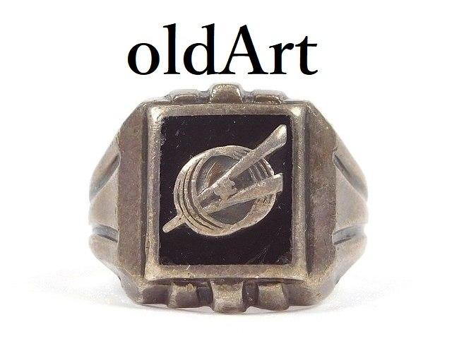 一点物 登場大人気アイテム アメリカ USA 50s 50年代 アクセサリー ジュエリー 記念日やお祝いプレゼント 人気の製品 ギフト や自分へのご褒美に USA製 カレッジリング 送料無料 シルバー製 1940-50年代 ミリタリーリング 中古 メンズ 指輪 ヴィンテージ M-14513 18.5号