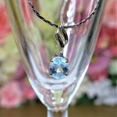 天然石 アクアマリン宝石級 ペンダントトップ 8x9mm パワーストーン 宝石 アクセサリー 母の日 プレゼント シンプルオーバルカット レッグレス Silver925 3月 誕生石