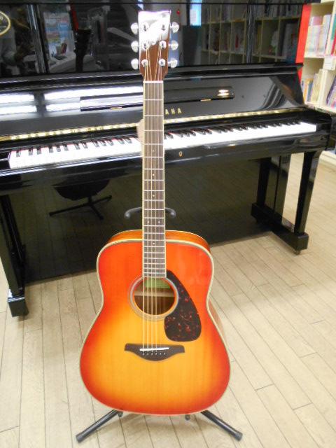新品 店頭展示品 YAMAHA(ヤマハ) アコースティックギター FG-820(FG-820) AB(オータムバースト) ソフトケース付!
