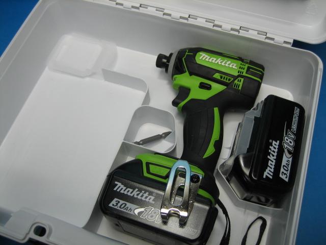 【特別セット】マキタ充電インパクトドライバ TD149DZL(ライム)18V 本体・バッテリー2個・ケースセット
