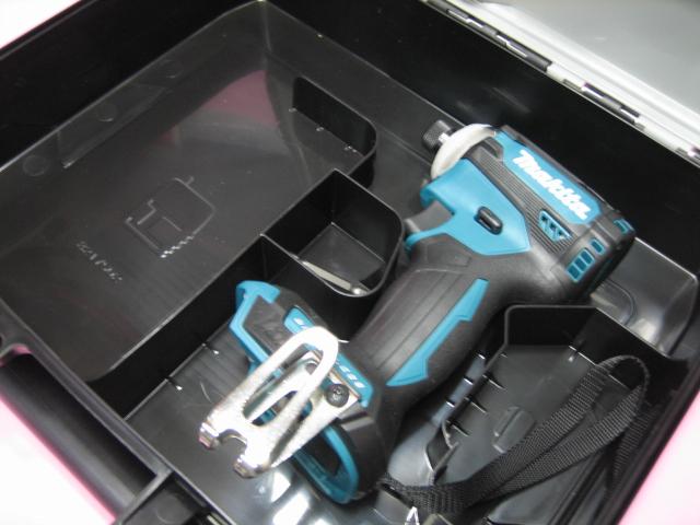 マキタ充電インパクト TD171DZ(青) 18V 本体・ケース(バッテリー・充電器 は付属しておりません)
