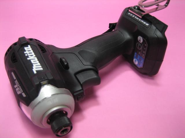 マキタ充電インパクト TD171DZB(黒) 18V 本体のみ(バッテリー・充電器・ケースは付属しておりません)