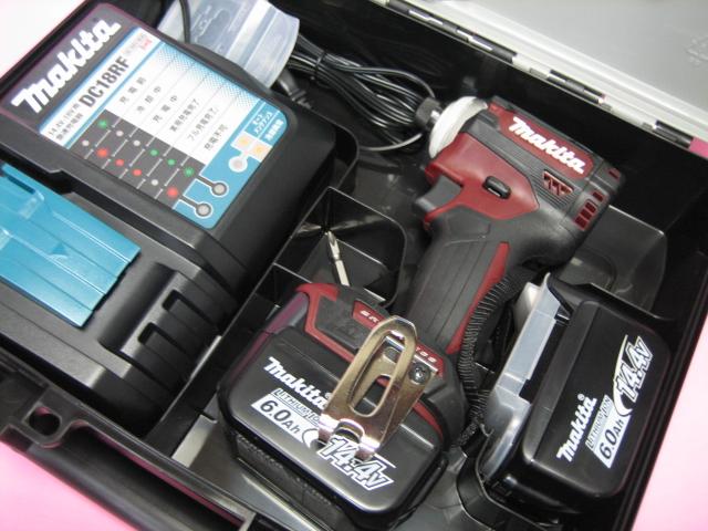 マキタ充電インパクト TD161DRGXAR(オーセンティックレッド) 14.4V バッテリー(6.0Ah)2個・充電器(DC18RF)セット