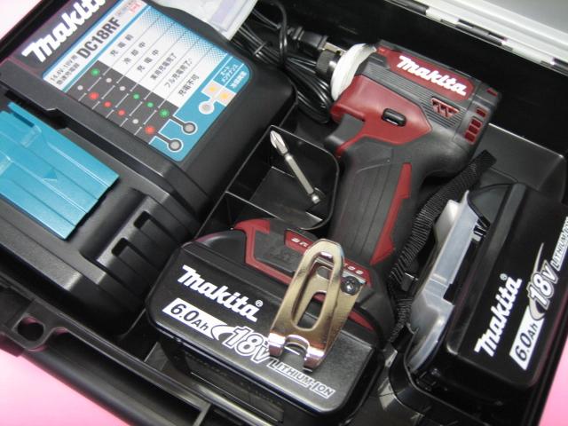 マキタ 充電インパクト TD171DRGXAR (オーセンティックレッド) 18V バッテリー(6.0Ah)2個・充電器(DC18RF)セット