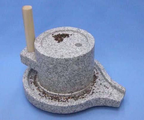 みかげ石皿型挽き臼18型