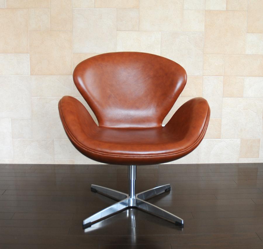 スワンチェア /レザー仕様/カラー・ブラウン/座り心地は極上!1台1台職人による手作り・手縫い仕上げ アルネ・ヤコブセン作 リプロダクトの傑作 新品 suwan chair red Arne Jacobsen イス いす 椅子 パーソナルチェア