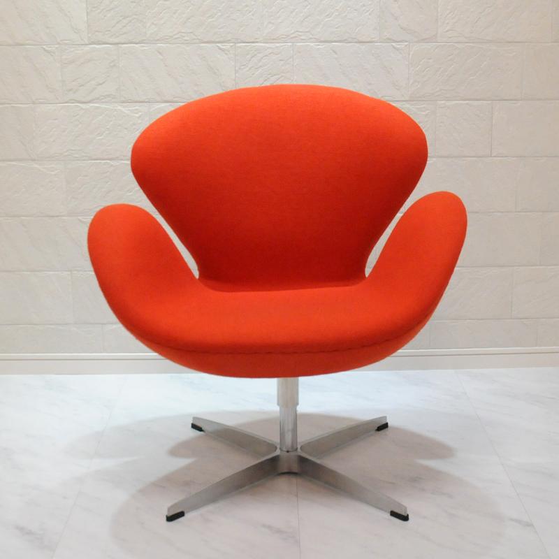 スワンチェア■最高級ファブリック仕様/カラー・オレンジ/座り心地は極上!1台1台職人による手作り・手縫い仕上げ アルネ・ヤコブセン作 リプロダクトの傑作 新品 suwan chair red Arne Jacobsen イス いす 椅子 パーソナルチェア カウンターチェア