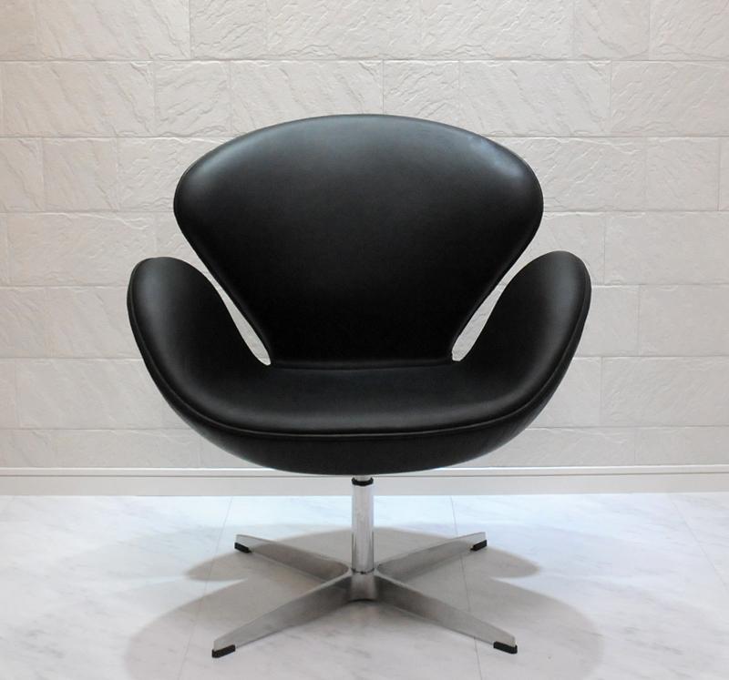 スワンチェア /レザー仕様/カラー ブラック(黒)/座り心地は極上!1台1台職人による手作り・手縫い仕上げ アルネ・ヤコブセン作 リプロダクトの傑作 新品 suwan chair red Arne Jacobsen イス いす 椅子