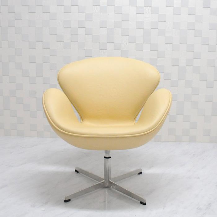 スワンチェア /レザー仕様/カラー ベージュ/座り心地は極上!1台1台職人による手作り・手縫い仕上げ アルネ・ヤコブセン作 リプロダクトの傑作 新品 suwan chair red Arne Jacobsen イス いす 椅子 パーソナルチェア カウンターチェア